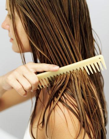 combing-wet-hair-with-a-wide-toothed-comb